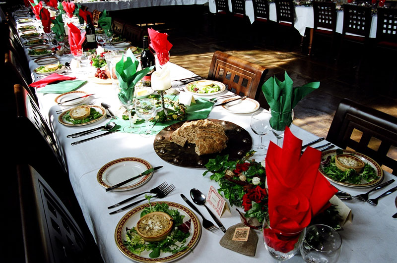 bedern-hall-table-settings